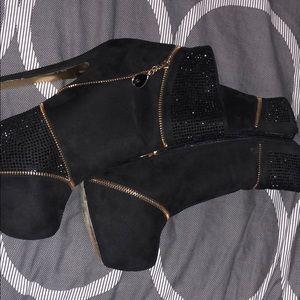 Bebe women high heels black on gold